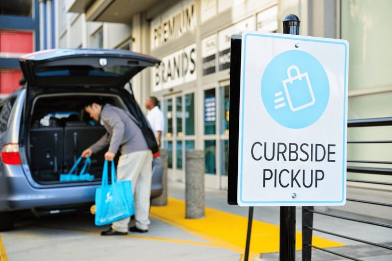 4 Essentials of an Effective Curbside & Delivery Service for your Cannabis Business - Existo Solutions
